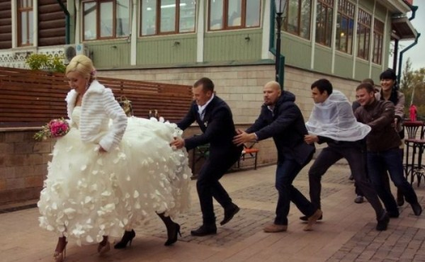 funny-wedding-photos-from-eastern-europe-30