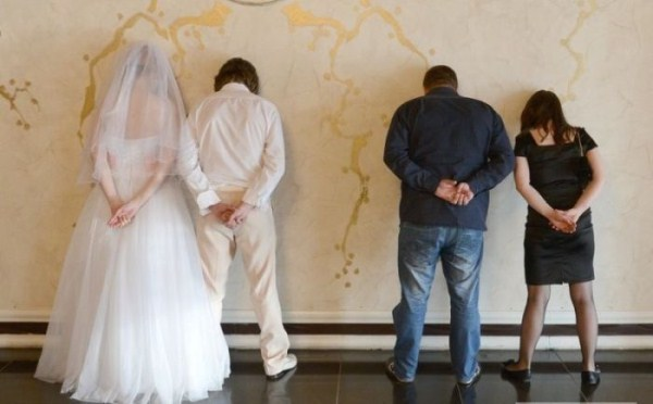 funny-wedding-photos-from-eastern-europe-32
