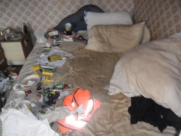 messiest-apartmnet (1)