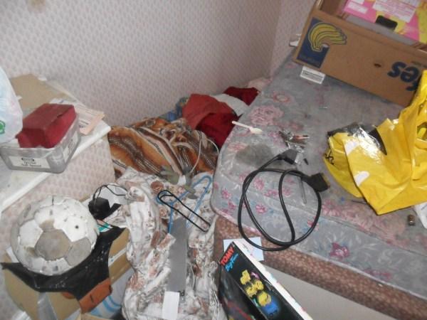 messiest-apartmnet (15)