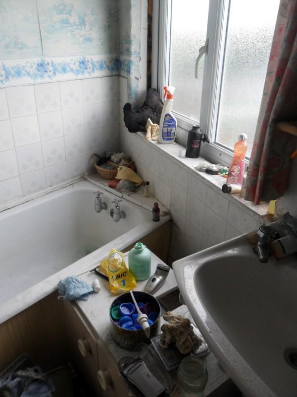 messiest-apartmnet (20)