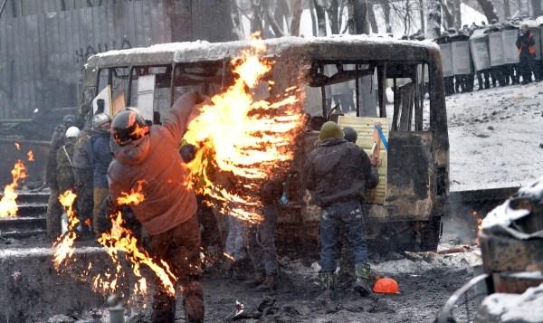 riots-in-kiev (12)