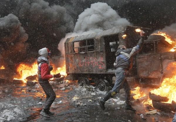 riots-in-kiev (15)