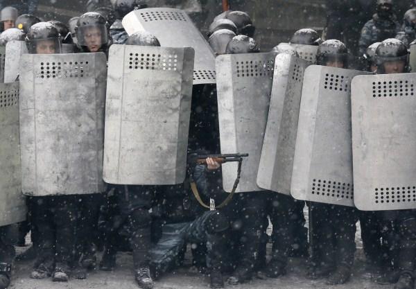 riots-in-kiev (24)