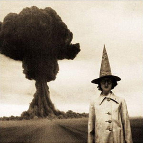 creepy-bizarre-images (29)