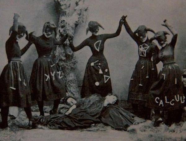 creepy-bizarre-images (31)