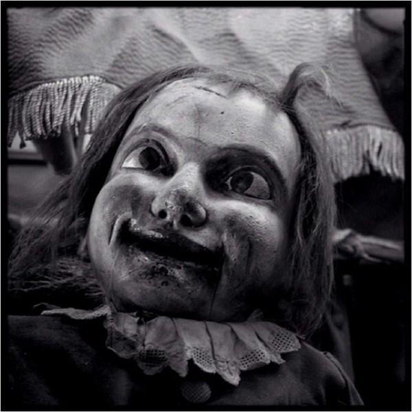 creepy-bizarre-images (34)