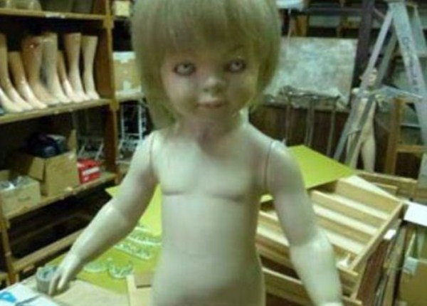 creepy-mannequins (13)