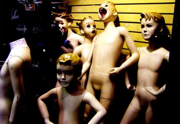 creepy-mannequins (34)