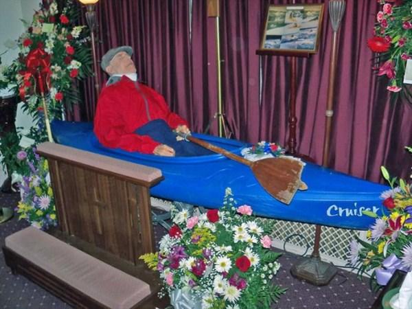 odd-funeral-photos (18)