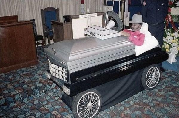 odd-funeral-photos (20)