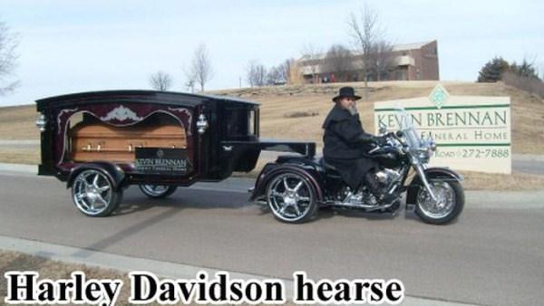 odd-funeral-photos (22)