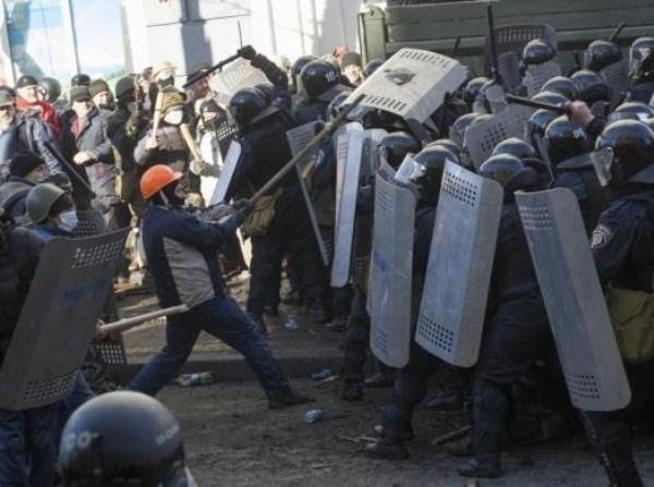 riots-in-kiev (29)