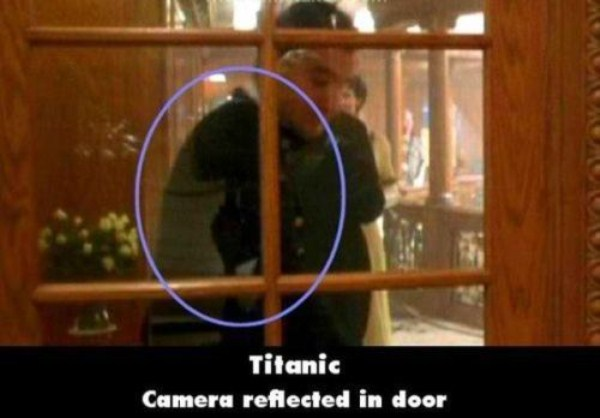 titanic-obvious-movie-mistakes (15)