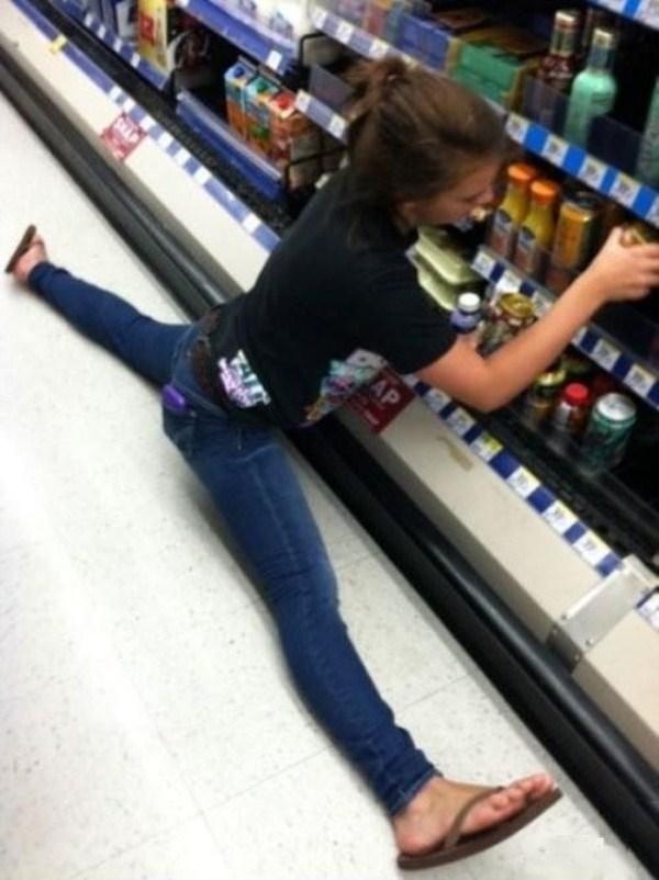 very flexible girls 20 Extremely Flexible Girls (41 photos)
