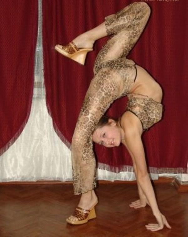 very flexible girls 25 Extremely Flexible Girls (41 photos)