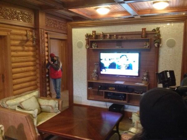 viktor yanukovych residence 34 Viktor Yanukovychs Abandoned Residence (40 photos)
