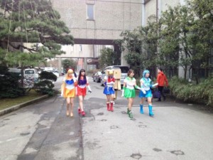 Just An Ordinary Graduation Day In Japan (16 photos) 2