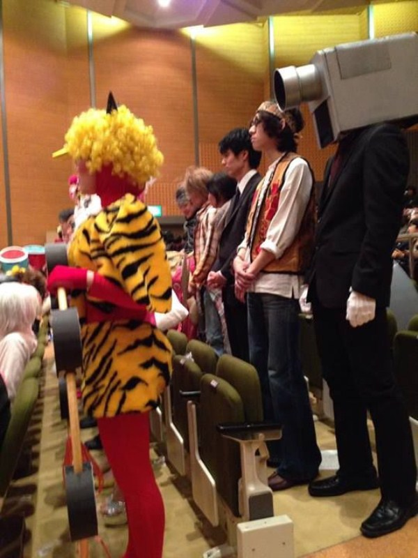 college_students_in_japan_literally_wear_what_they_want_to_for_graduation_640_high_04