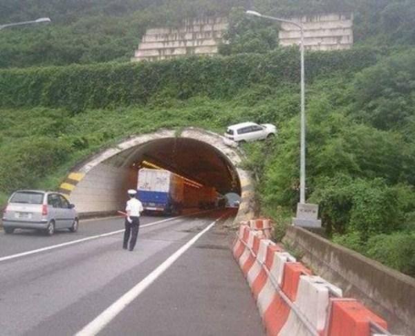 crazy-car-crashes-25