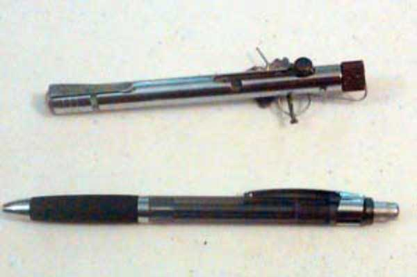 illegal-things-found-in-prisons (4)