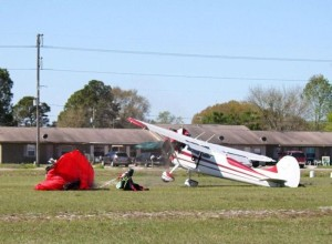 Skydiver Gets Hit by a Plane (15 photos) 13