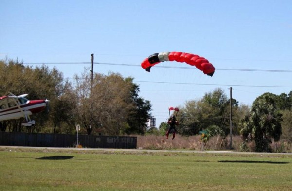 skydiver-gets-hit-by-a-plane-3