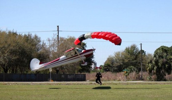 skydiver-gets-hit-by-a-plane-4