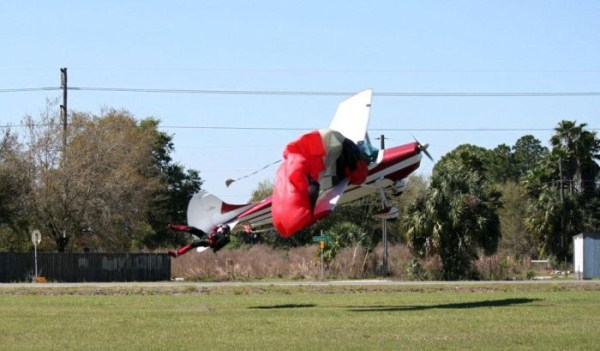skydiver-gets-hit-by-a-plane-5