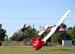 Skydiver Gets Hit by a Plane (15 photos) 6