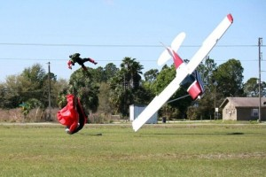Skydiver Gets Hit by a Plane (15 photos) 7