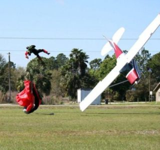 Skydiver Gets Hit by a Plane (15 photos)
