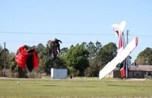 Skydiver Gets Hit by a Plane (15 photos) 8
