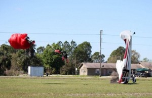 Skydiver Gets Hit by a Plane (15 photos) 9