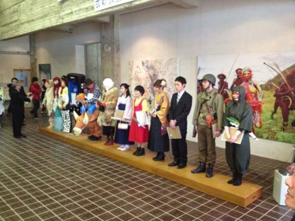 unusual-graduation-in-a-japanese-school-2