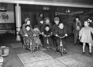 39 Photos From Across Postwar Japan (39 photos) 33