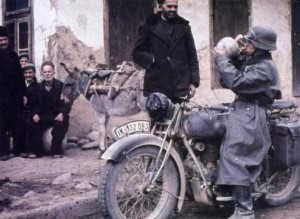 35 Extremely Rare Color Photos of the German Troops In WWII (35 photos) 15