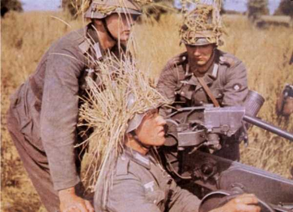 35 Extremely Rare Color Photos of the German Troops In WWII (35 photos) 16