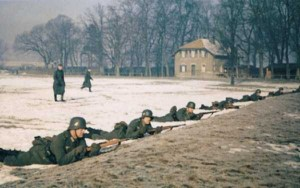 35 Extremely Rare Color Photos of the German Troops In WWII (35 photos) 20
