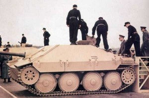 35 Extremely Rare Color Photos of the German Troops In WWII (35 photos) 21