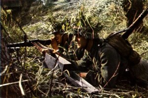 35 Extremely Rare Color Photos of the German Troops In WWII (35 photos) 35