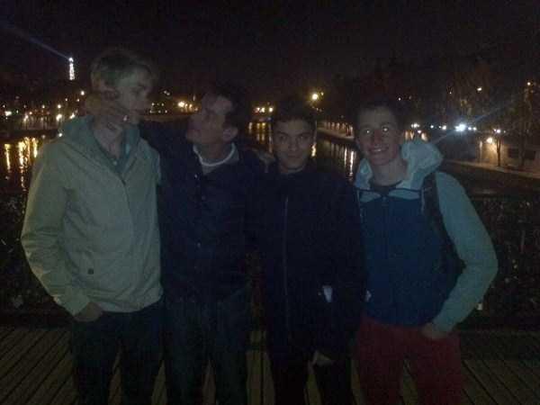 drunk-charlie-sheen-in-paris (8)