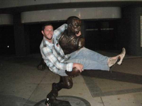 fun-statues-15