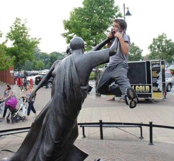 fun-statues-16