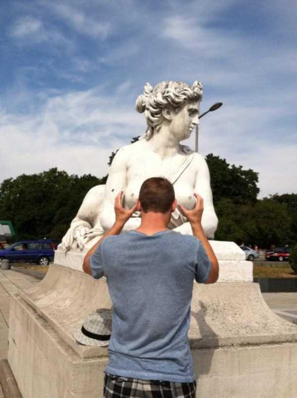 fun-statues-30