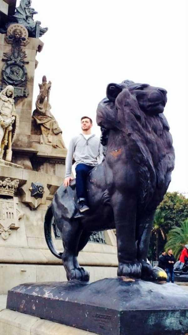 fun-statues-8