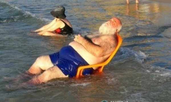 funny-beach-pics (12)