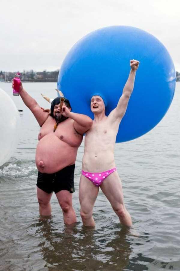 funny-beach-pics (19)