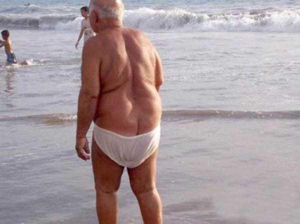 funny-beach-pics (29)