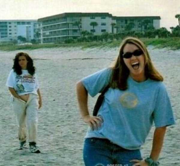 funny-beach-pics (32)